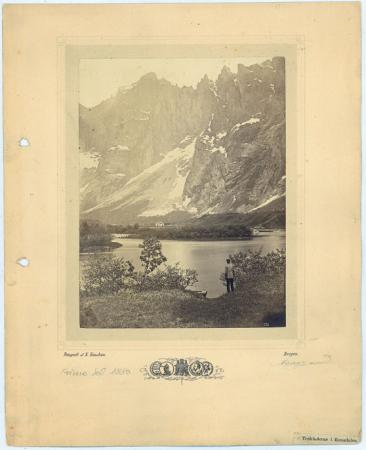 Troltinderne i Romsdaleu [Il Monte Troltinderne e la Valle di Rosmadal]