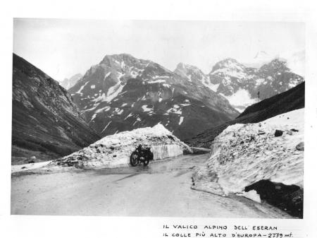 I grandi valichi alpini internazionali 1953 - 56: raid turistici