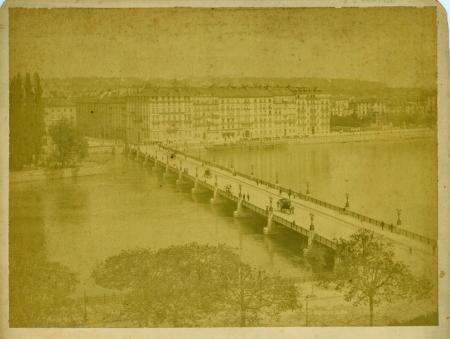 256[8?] Geneve [ponte e veduta della città]