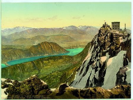 18436 Lago di Lugano. Monte Generoso. Vista verso Lugano.