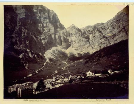 [12585 Leukerbad & Gemml, Luogo non identificato, paesaggio montano con lago e baita]
