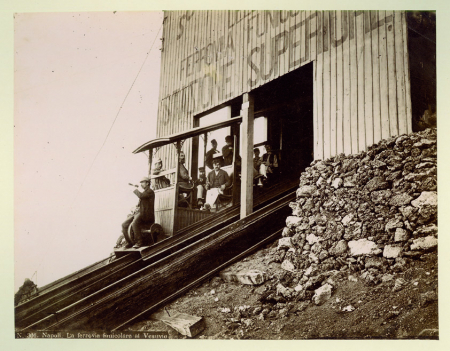 301 Napoli. La ferrovia funicolare al Vesuvio