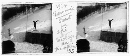 35 1924 Chamonix. Saut en skis. Décollage du tremplin
