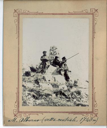 [Riprese varie del Monte Alburno con paesaggi e ritratti di gruppo]