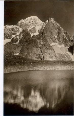 129 - Courmayeur: Lago Checrouit m.2180, Aig. Noire de Peteret m.3780 e M. Bianco m.4810.