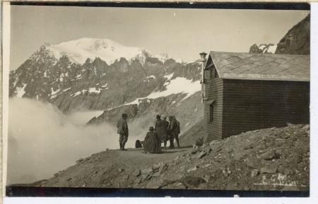 [Monte Bianco, Aiguilles de Trélatête e Rifugio Chiarella]