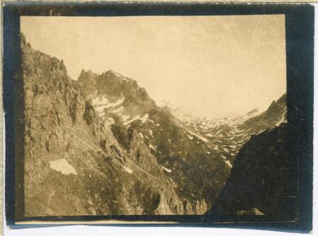 [Dolomiti di Valle Stretta: paesaggio con Monte Thabor]