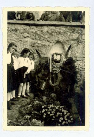 La tomba di Emilio Comici a Selva di Val Gardena, 23/10/1940