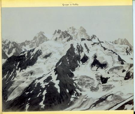 [Panorama con catena del Caucaso]