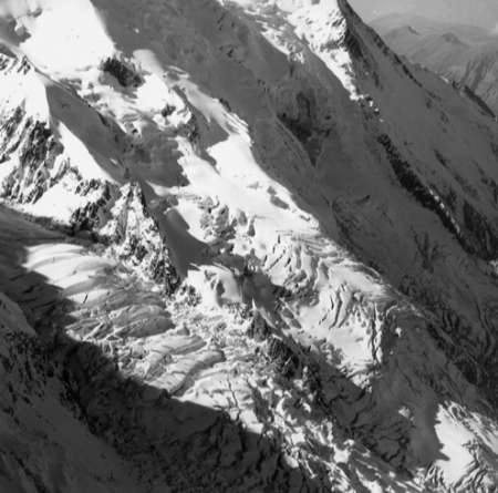 [Alpi, Ghiacciaio des Bossons e Grands Mulets]