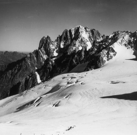 [Alpi, Gruppo del Monte Bianco, Aiguilles du Dru, Aiguille Verte]