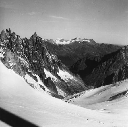 [Alpi, Gruppo del Monte Bianco, Aiguilles de Chamonix, Aiguille du Grépon]