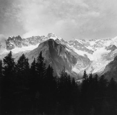 [Alpi, Gruppo del Monte Bianco, Mont Grépillon, Mont Dolent, Aiguille de l'Amône, Val Ferret, Svizzera]