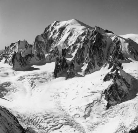 [Alpi, Monte Bianco, Tour Ronde, Aiguille Blanche de Peutérey e Mont Blanc du Tacul]