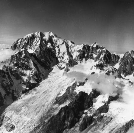 [Alpi, Monte Bianco, Mont Maudit e Mont Blanc du Tacul]