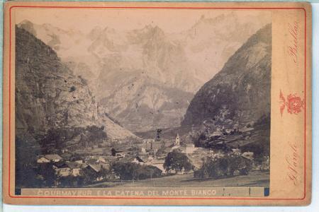 [La Thuile_Goletta e Pont Serrand, Courmayeur e la Catena del Monte Bianco]
