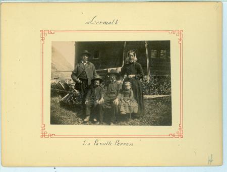 [Ritratti della famiglia Balmat di Chamonix, della Famiglia Perren e delle guide alpine di Zermatt]