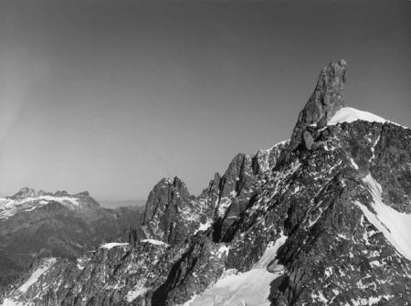 [Alpi, Gruppo del Monte Bianco, Aiguilles du Dru e Dente del Gigante]