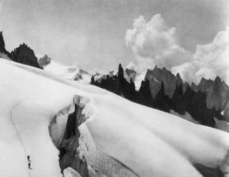 [Alpi, Gruppo del Monte Bianco, sul ghiacciaio di Mont Mallet; Pointe des Périades]