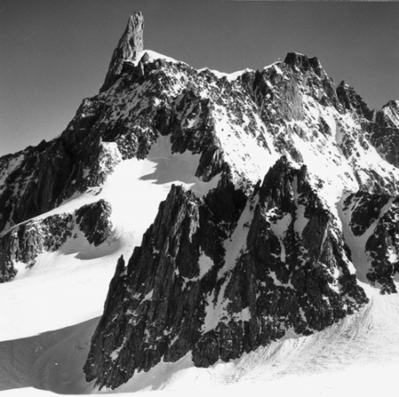 [Alpi, Gruppo del Monte Bianco, Dente del Gigante e Aiguilles Marbrées]