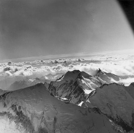 [Alpi, Gruppo del Monte Bianco, Aiguilles de Trélatête dalla cima del Monte Bianco]