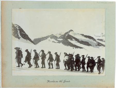 [Riprese varie dei Cacciatori delle Alpi in Savoia; Gola di Mühlauer]