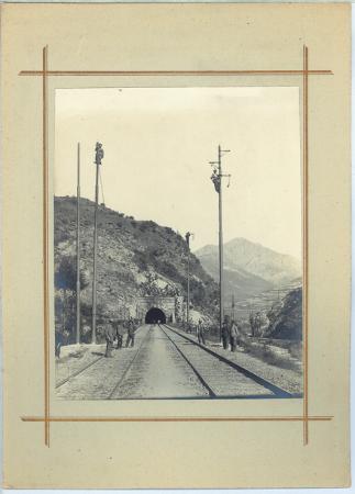 [Tunnel ferroviario