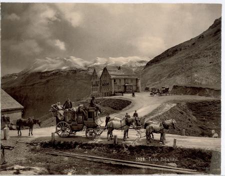 [Riprese varie: Passo della Furka, Passo dell'Oberalp, ferrovia in località non identificata]