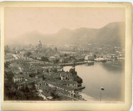 3862 Como. Panorama della città