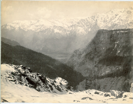 View down the Kulu Valley from the Rotang Pass