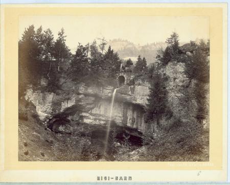 [Veduta del viadotto in ferro della ferrovia a cremagliera che conduce al Rigi, durante il collaudo]