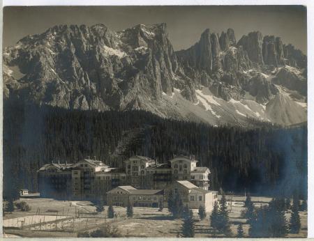 [Veduta dell'Albergo Dolomiti]