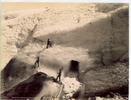 328 Entrée de la Grotte du Mont-Blanc