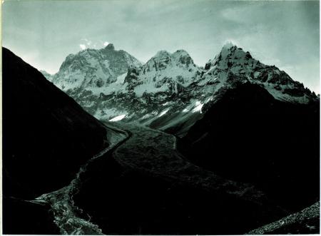 Jannu 7601 m. e ghiacciaio visto da 300 m. sopra Kambachen