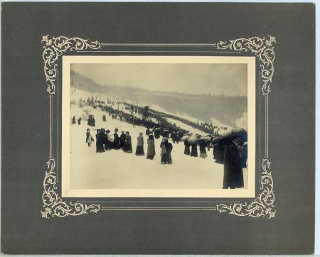[Riprese varie durante le gare di salto con gli sci a Morez, Jura]