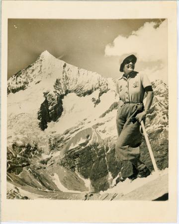 [Riprese varie: esercitazioni militari, ascensioni alpinistiche negli Stati Uniti e in Svizzera]