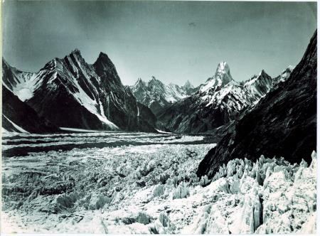 Ghiacciaio Baltoro (seracchi), Muztagh [Tower], veduta dal ghiacciaio Baltoro superiore