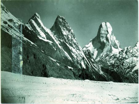 [Muztagh Tower], Mitre Peak a occidente del ghiacciaio Godwin Austen