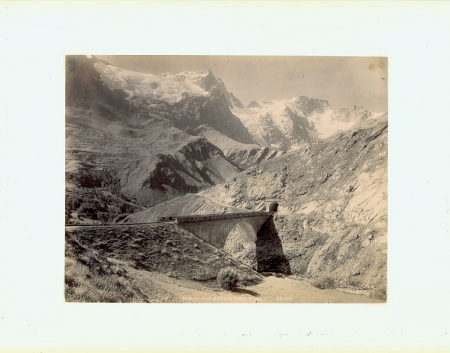[Col du Lautaret: l'Hospice, vue sur le col du Galibier; La Grave: la Meije et le Pont de Morian]