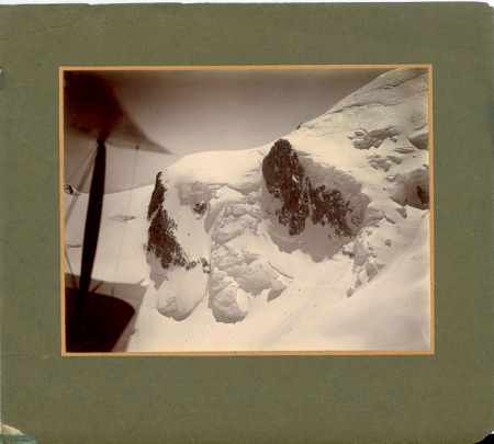[Primo volo aereo sul Monte Bianco]