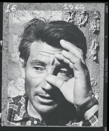 [Walter Bonatti al rientro dalla prima ascensione dello Sperone Whymper, parete Nord delle Grandes Jorasses, agosto 1964]