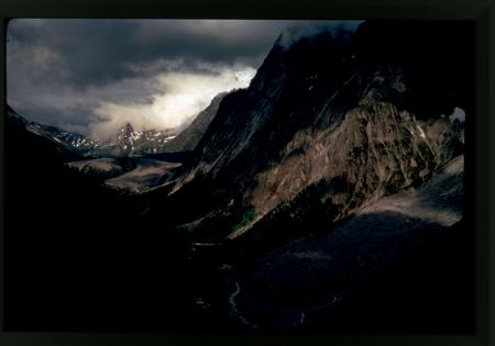 [Il lungo solco della Val Veny, ai piedi del versante valdostano del Monte Bianco, 1970 circa]