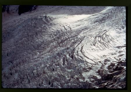 [Monte Bianco: il plateau mediano del Ghiacciaio della Brenva, 1975 circa]