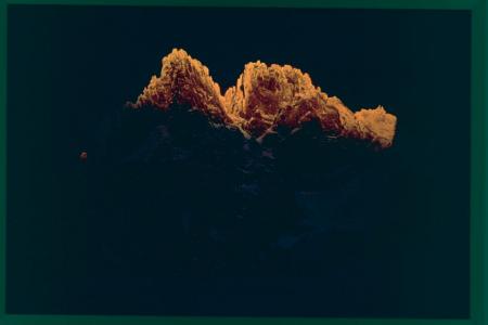 [Gruppo del Monte Bianco: le Aiguilles de Chamonix dopo la bufera, inverno 1975]