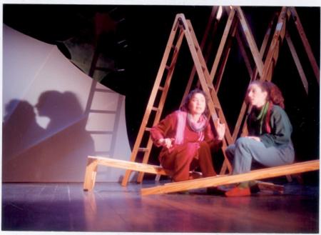 [Riprese varie dello spettacolo teatrale Dei Monti Pallidi del Teatro Stabile d'Innovazione L'Uovo]