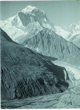 Vista del nord Koyo Zom (6812) [la vetta si trova nel sud del Vidinkot]