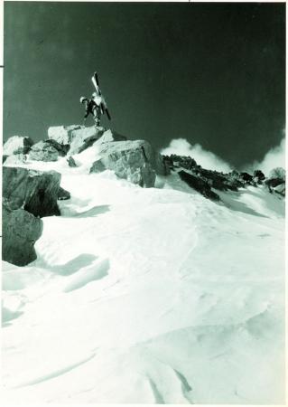 Damavand. [Veduta della sciara a quota 5000 m]