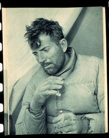 [Riprese varie: riproduzioni di ritratti di Maurice Herzog sull'Annapurna]
