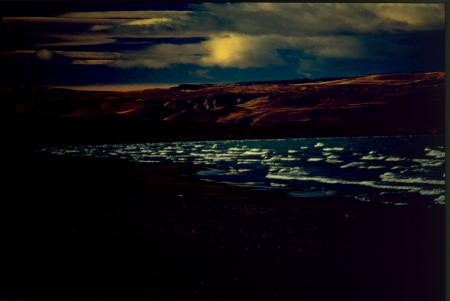 [Onde di burrasca sul Lago Argentino]