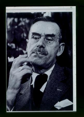 [Riproduzioni fotografiche di riprese varie: Thomas Mann a Salisburgo, ritratto all'età di 69 anni e con Hermann Hesse a St. Moritz]